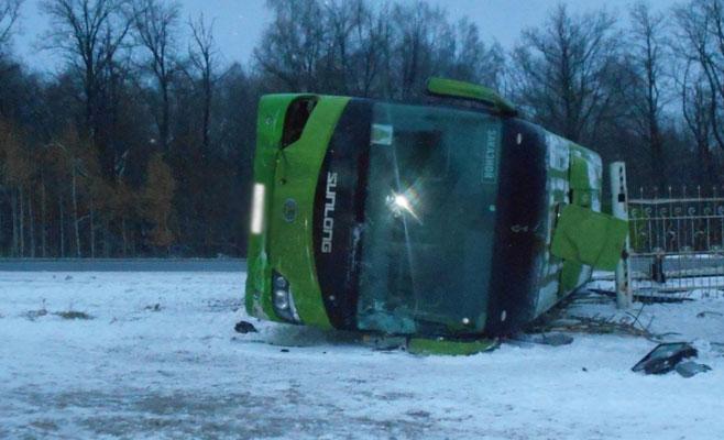 ВЧувашии 11 человек пострадали вДТП срейсовым автобусом