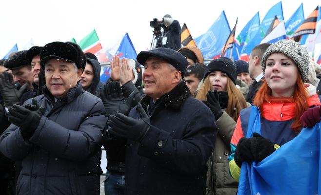 ВДень народного единства митрополит Феофан посетил гала-концерт «Наш дом— Татарстан»