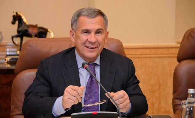 Минниханов сохранил 3-е место вноябрьском рейтинге губернаторов-блогеров