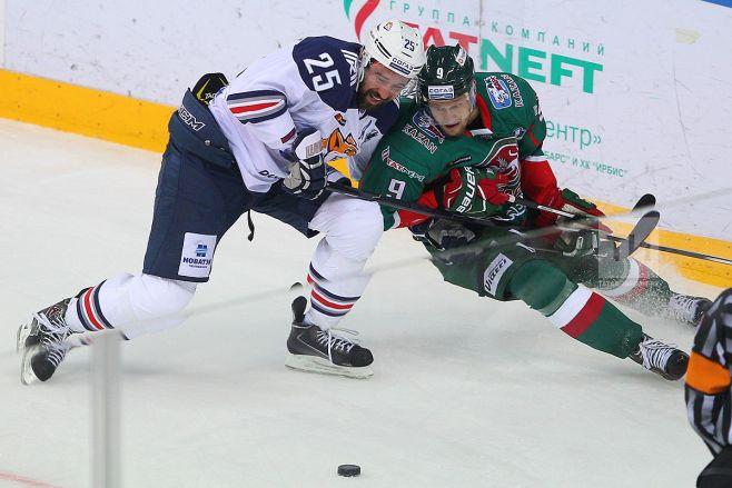 «Магнитка» победила «АкБарс» вМагнитогорске, счёт всерии стал 2-0