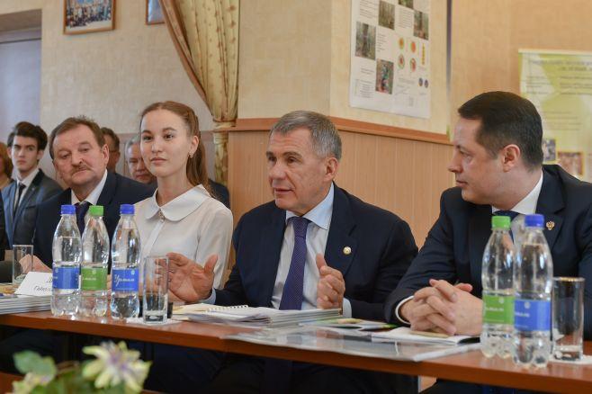 Губернатор Подмосковья поздравил президента Татарстана сднем рождения