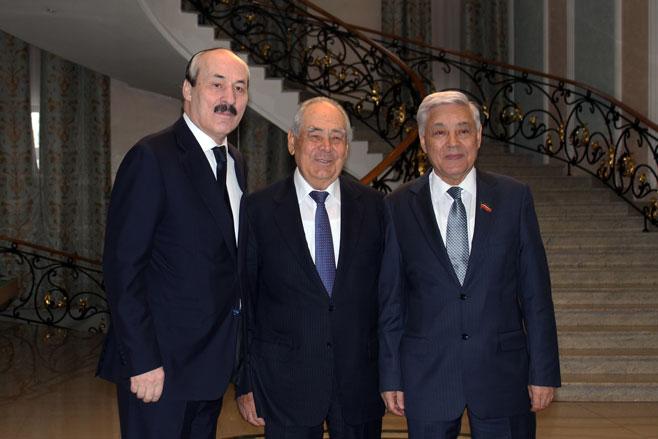Минтимер Шаймиев награжден орденом «Зазаслуги перед Республикой Дагестан»