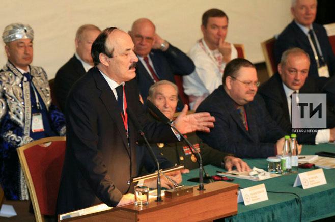 Рамазан Абдулатипов вручил Минтимеру Шаймиеву орден «Зазаслуги перед Республикой Дагестан»
