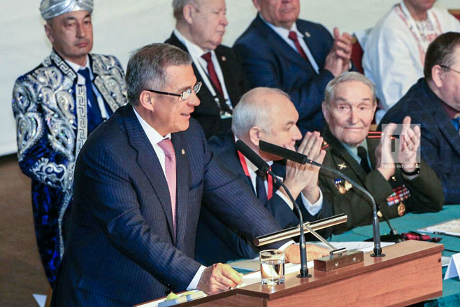 Рамазан Абдулатипов выступил наIII Съезде народов Татарстана вКазани