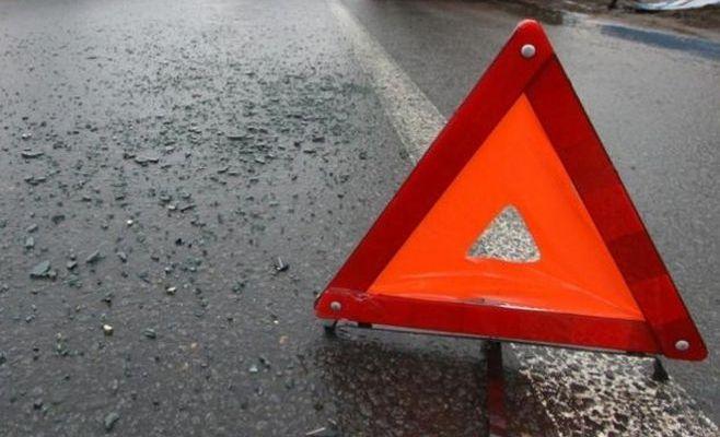 ВТатарстане иностранная машина навстречке влетела под фургон: погибли два человека