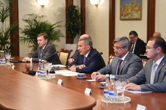 Рустам Минниханов прибыл срабочим визитом вУзбекистан