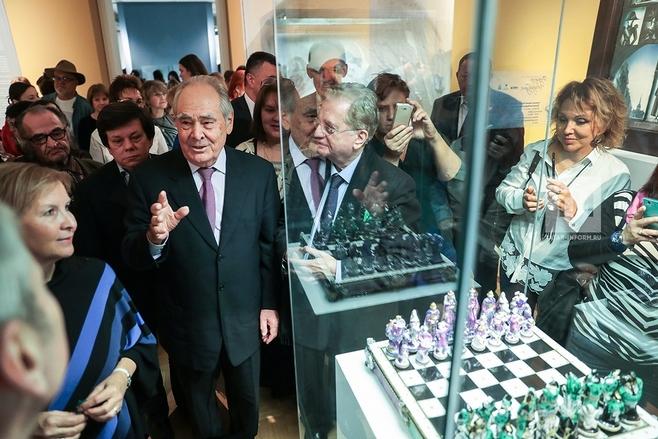 Минтимер Шаймиев вказанском Эрмитаже открыл выставку фарфора
