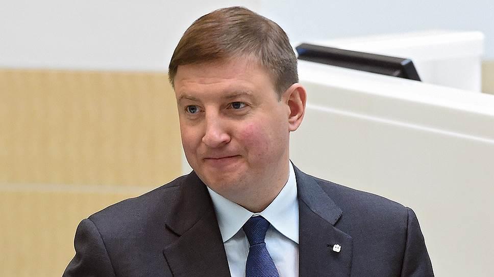Неверов поздравил партию «Единая Россия» с16-летием
