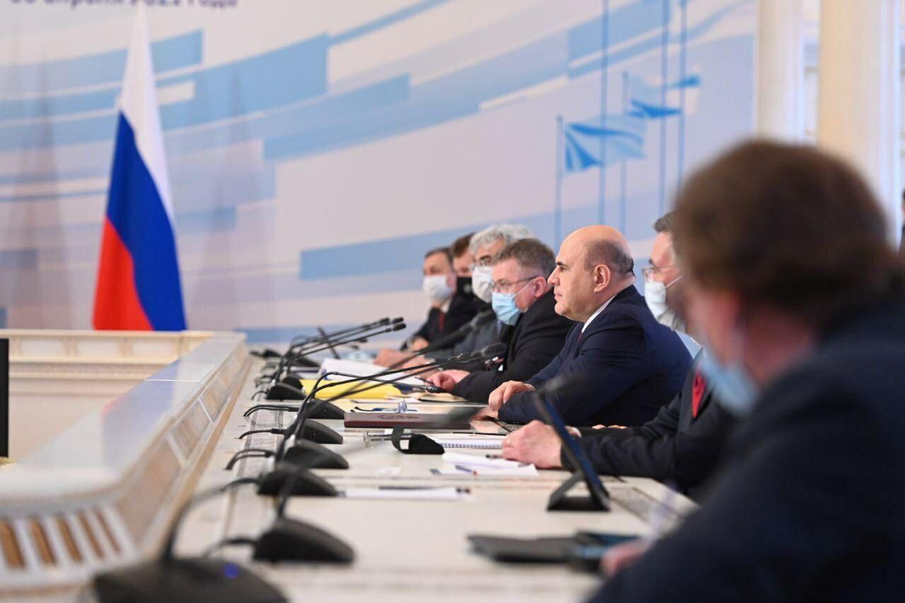 Минниханов принимает участие во встрече Мишустина и Пашиняна