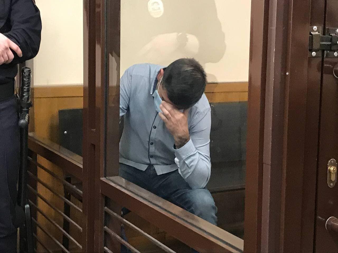 В Казани продлили арест колумбийцу, который украл чемодан с ювелиркой на 160 млн рублей