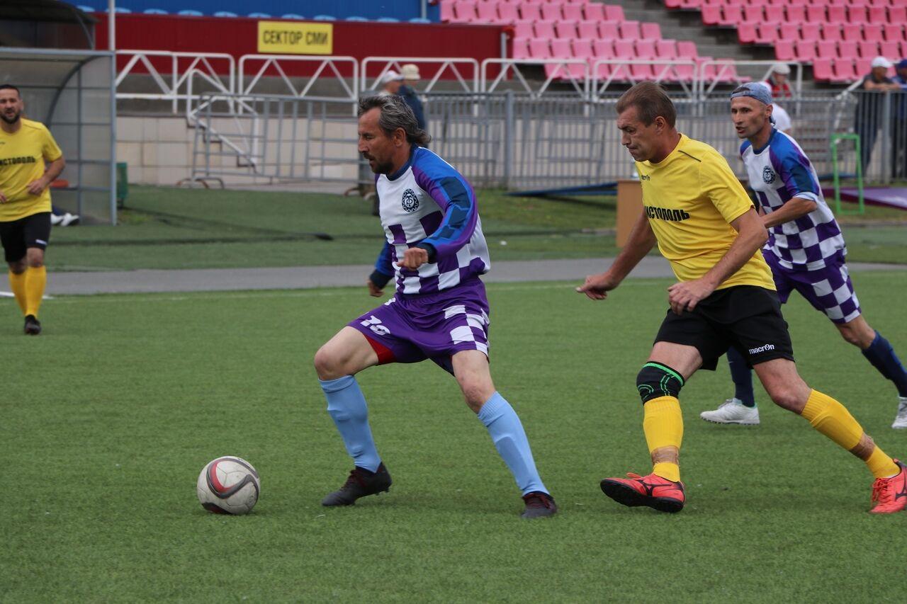 Федерация футбола Татарстана провела в Казани турнир среди ветеранов