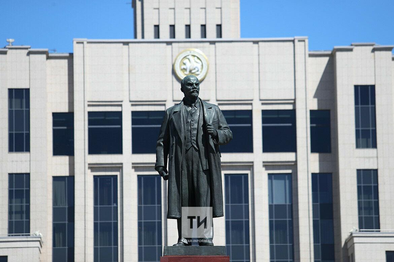 «Гарантия более 100 лет»: памятник Ленину в Казани обновили по уникальной технологии