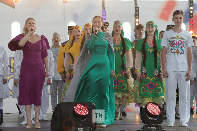 В День России лауреаты «Созвездия-Йолдызлык» впервые дали концерт в Казанском Кремле