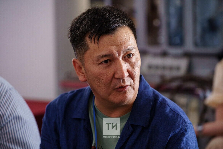 Дмитрий Шадрин: «Планируем резолюцию Татарстана, Якутии и Башкирии по поддержке кино»