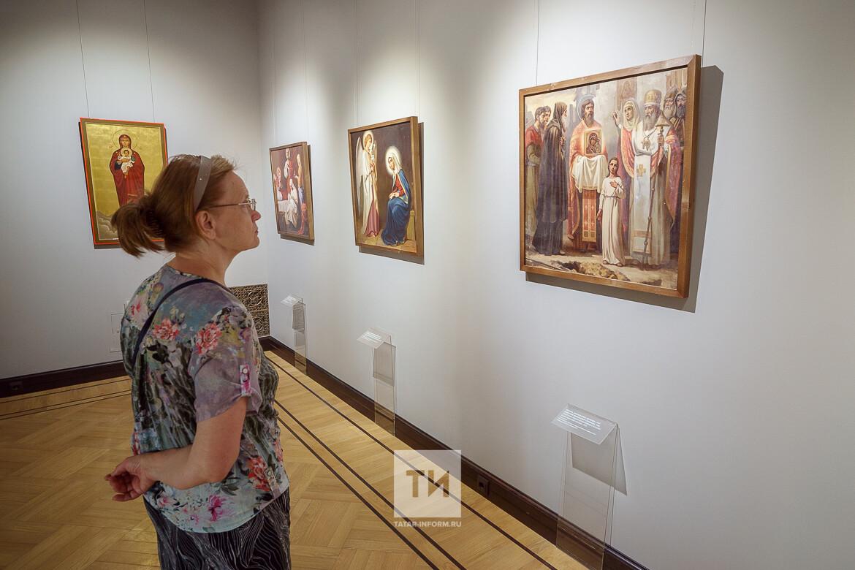 В музее ИЗО РТ открылась выставка, посвященная восстановлению Казанского собора