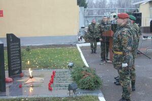 В Казани почтили память погибших при исполнении служебного долга