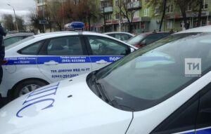Возле Московского рынка в Казани сотрудники ГИБДД встали в «Тоннель» против нарушителей ПДД