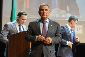 Рустам Минниханов стал лидером медиарейтинга глав регионов ПФО заоктябрь
