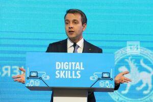 Николай Никифоров: 1,2 млн человек в России заняты в отрасли цифровых технологий