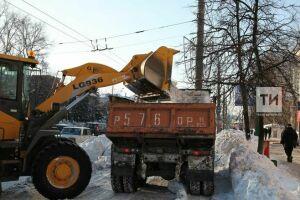С казанских улиц за сутки вывезли более 8 тыс. тонн снега