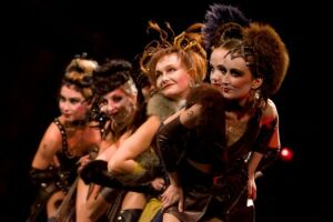 В Качаловском театре пройдет юбилейный показ «Трехгрошовой оперы»