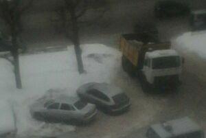 В центре Казани уборщика снега ранили ножом