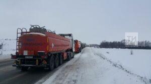 На трассе М5 ограничено движение грузовиков