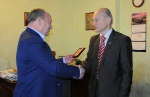 Народному артисту РСФСР Михаилу Ножкину вручена медаль Мусы Джалиля