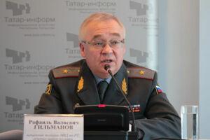 Замминистра внутренних дел по РТ – начальник полиции Рафаиль Гильманов отмечает день рождения
