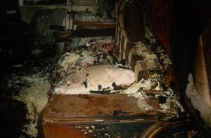 Появились фото пожара на Сыртлановой, в котором погибла женщина
