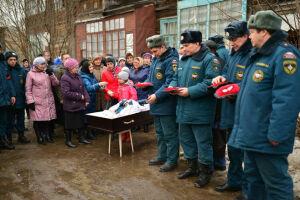 Сегодня похоронили героически погибшего на пожаре в Казани  Эдуарда Илларионова