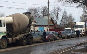 Фото: в Удмуртии бетономешалка устроила ДТП с участием восьми машин