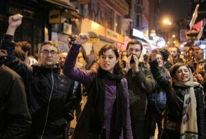 В Стамбуле прошли массовые акции протеста против результатов референдума