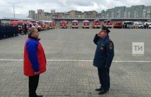 В Казани глава МЧС Владимир Пучков провел смотр сил и техники
