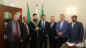Муфтий РТ подарил делегации из Саудовской Аравии Коран