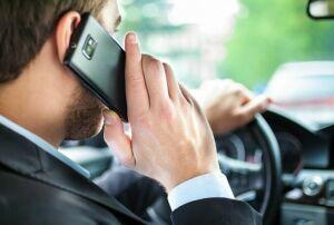 Автоинспекторы Татарстана наказали 900 водителей за разговоры по телефону