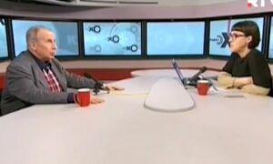 Видео: Писатель Веллер швырнул микрофоном и стаканом в радиоведущую