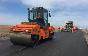 «Алексеевскдорстрой» проводит работы по подготовке автодорог к лету