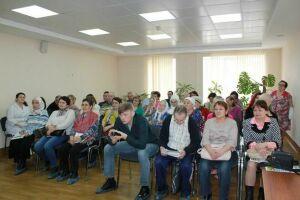 В Альметьевске прошла школа для пациентов с онкозаболеваниями
