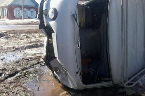 При столкновении иномарки и «УАЗа» в Чистополе два человека переломали ноги и ребра