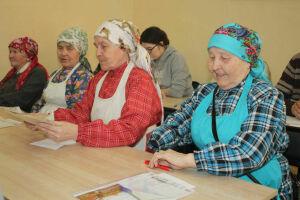 «Бабушки из Бураново» написали «Тотальный диктант» в Ижевске