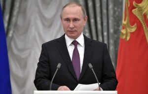 Путин поздравил Калягина с юбилеем
