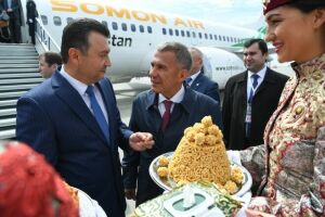 Рустам Минниханов в аэропорту Казани встретил Премьер-министра Таджикистана Кохира Расулзоду