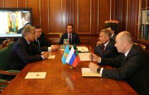 В Казанском Кремле обсудили нюансы предстоящего визита Рустама Минниханова в Казахстан