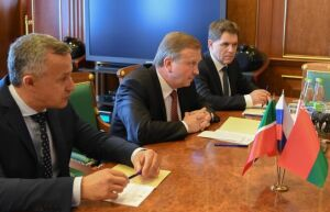 Кобяков предложил Минниханову модернизировать станочный парк РТ с помощью минского завода