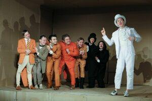 Челнинские артисты покажут спектакль «Ревизор» на тобольской сцене