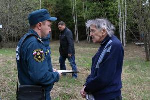 Сотрудники МЧС в Татарстане проверяют, как соблюдается особый противопожарный режим