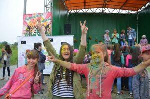 В Сарманове прошел фестиваль красок SuperFest