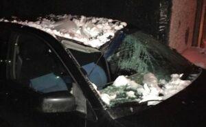В Казани прокуратура потребовала вернуть перечисления жильцов за поврежденные снегом авто соседей