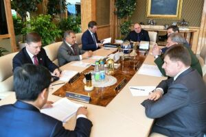 Рустам Минниханов обсудил с представителем Минобороны России взаимодействие в сфере ОПК